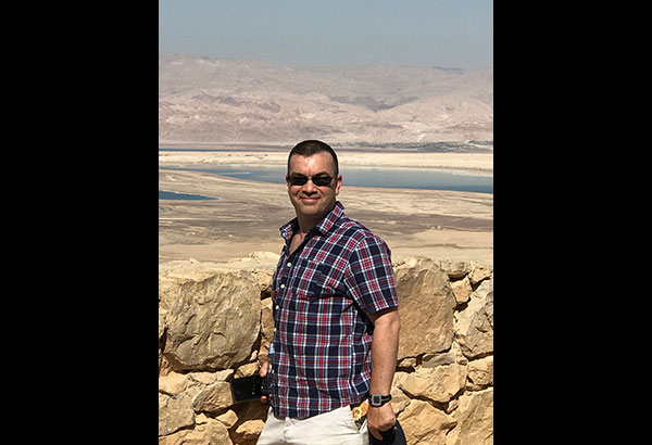 The coolest country manager ever: Rob Bradshaw in Masada National Park