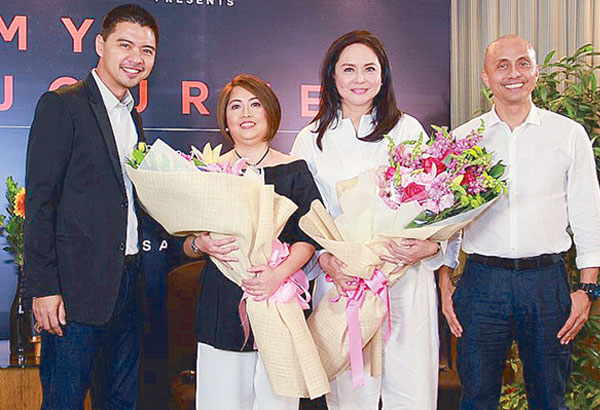 ABS-CBN executive Charo Santos-Concio (second from right) with Mark Yambot, An Mercado Alcantara and Ernie Lopez