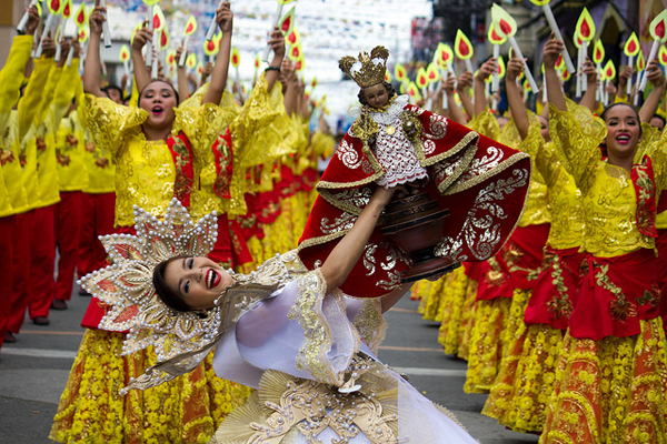 Local and foreign tourists flock Cebu City to celebrate the city's grandest Sinulog Festival. Sinulog  Foundation Inc.