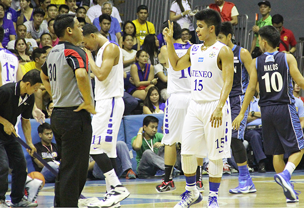 Kiefer Ravena (15) talks to game official during the Ateneo Blue Eagles' season-opening win vs Adamson Falcons. Ravena once again led Eagles to a big follow-up win against arch-rival De La Salle Green Archers yesterday. File Photo/AJ BOLANDO