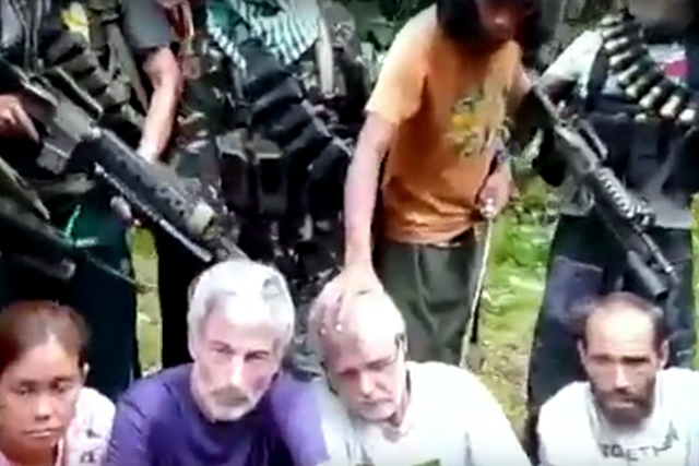 That was what Norwegian Kjartan Sekkingstad asked his fellow captive Marites Flor to do should she be freed ahead of him by their Abu Sayyaf captors. File photo