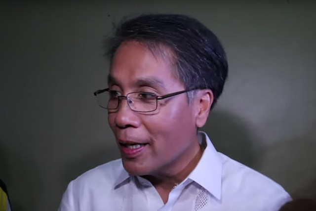 Administration candidate Mar Roxas speaks with reporters in Cagayan de Oro City after the first presidential debate on Sunday, Feb. 21, 2016. Philstar.com / AJ Bolando