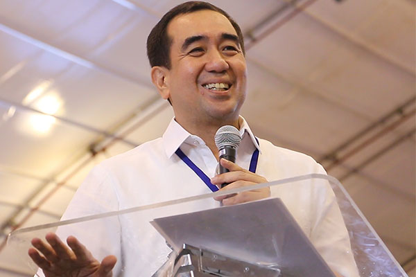 "Comelec Commissioner Andres Bautista says the commission is ""business as usual"" after the House of Representatives junked the impeachment complaint against him. Philstar.com/Efigenio Toledo IV, File"