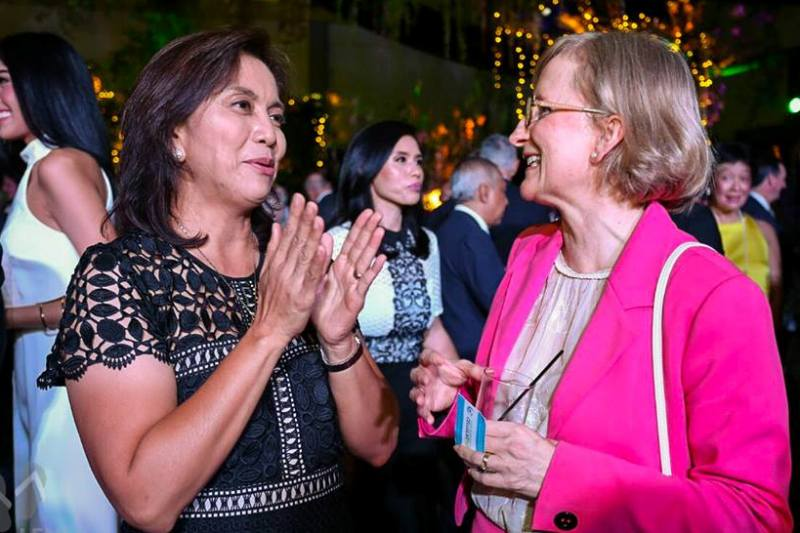 In this June 18 photo, Vice President-elect Leni Robredo speaks with Australian Ambassador Amanda Gorely at the British Embassy's celebration of Queen Elizabeth's 90th birthday in Taguig City. Robredo staff/Released