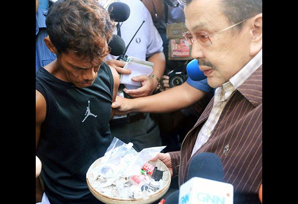 VIDEO: Erap finds drug den below police precinct in Binondo