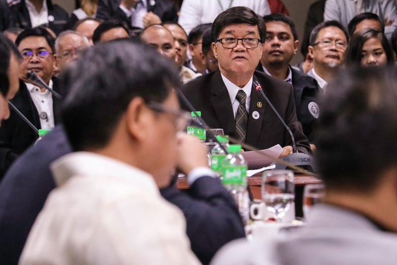 A former senator and an incumbent Liberal Party congressman from Laguna offered P100 million to high-profile prisoners to make them recant their testimonies against Sen. Leila de Lima on her alleged involvement in the drug trade at the New Bilibid Prison, Justice Secretary Vitaliano Aguirre II claimed yesterday. File photo