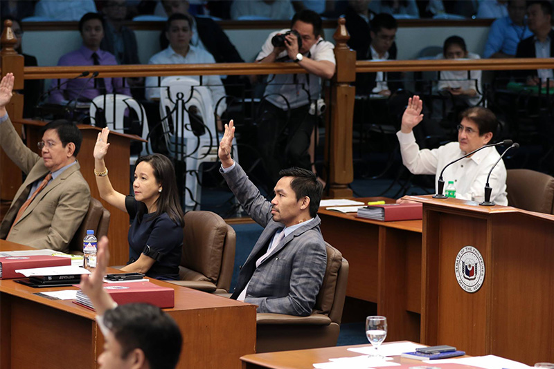 Senators vote on Monday, Feb. 27, 2017 to replace Sen. Franklin Drilon with Sen. Ralph Recto as Senate president pro tempore after a motion by Sen. Manny Pacquiao. Pacquiao office/Released