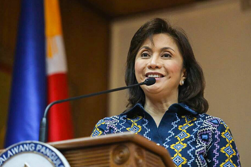 "Vice President Leni Robredo talks to students at the ""Invest in Me"" forum on Wednesday, March 15, 2017. OVP"
