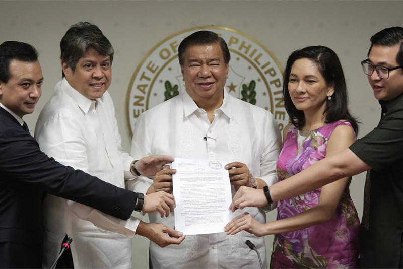 15 senators support Duterte's martial law declaration in Mindanao