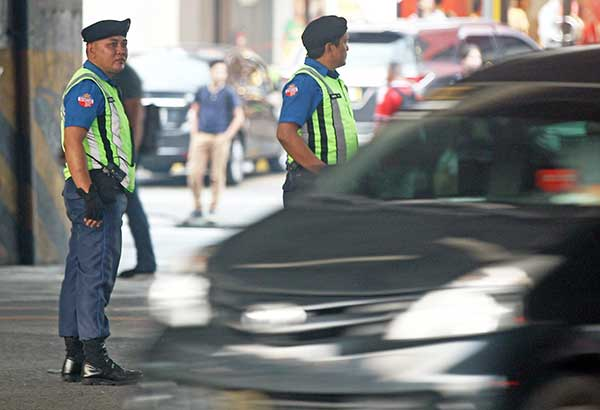 MMDA gets body cameras from Grab Philippines
