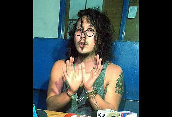 Baron Geisler talks to members of media at the QCPD Station 10 Monday night. JOVEN CAGANDE