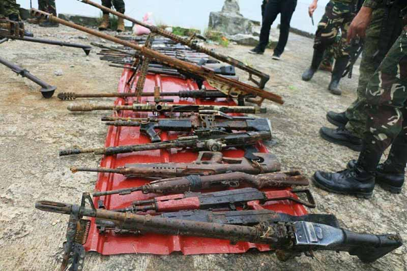 Rusty firearms of Maute terrorists found in a shallow spot in Lake Lanao in Marawi City.