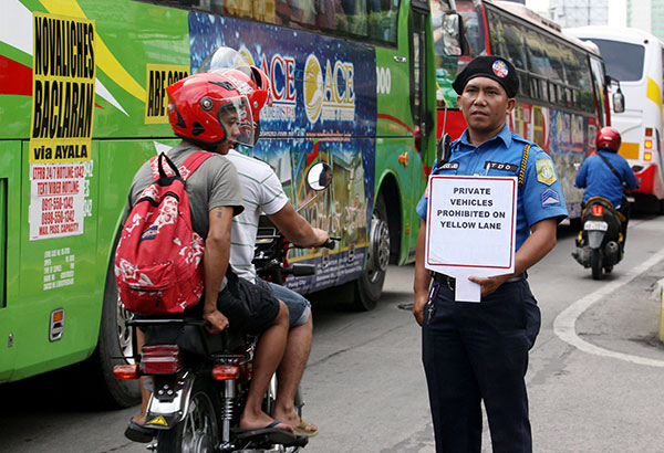 The MMDA implemented rules on yellow lanes for buses yesterday while the motorcycle lane will be enforced starting tomorrow. Michael Varcas