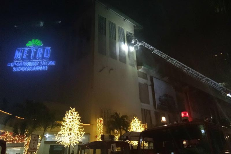 Cebu City Disaster Risk Reduction Management chief Nagiel Bañacia said the fire started on the third floor of the establishment, which houses the toy stockroom. Twitter/The Freeman