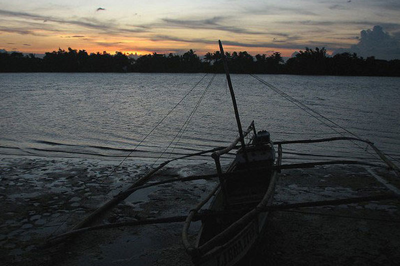 Twenty-three other fishermen reportedly managed to take shelter in Barangays Butawan and Pamintan in Siruma town and Agaygayan in Tinambac.