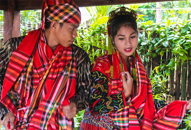 tboli The t'boli speak a malayo-polynesian language called tboli in addition to their native language, many of the t'boli also speak ilongo or bilaan the philippine islands contain a patchwork of various people groups and religions.