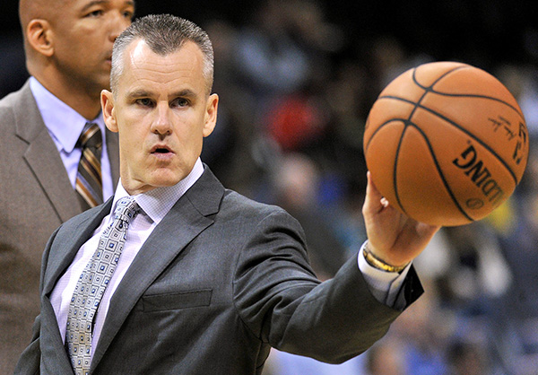 Donovan shines in coaching debut, Thunder outlast Spurs