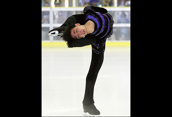 Michael Martinez shows his form in the international Triglav Trophy in Slovenia during an exhibition at the SM Mega Mall skating rink. JUN MENDOZA