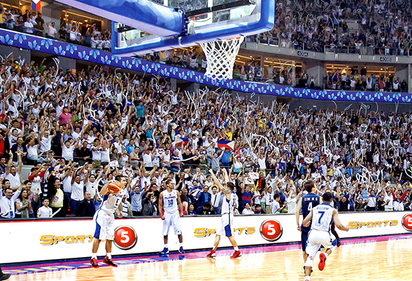 GILAS SIXTH MAN: Filipino fans are expected to come in full force for the Gilas Pilipinas match against Team France tonight and provide the kind of morale boost they gave in the Nationals' semifinal game against the South Koreans during the FIBA Asia World Cup qualifier in 2013 at the MOA Arena.