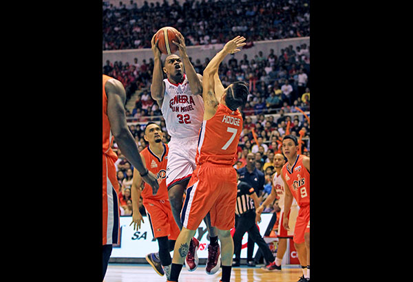 Kings import Justin Brownlee, shown here in his matchup against Cliff Hodge of Meralco in their PBA title series, hopes to be back with Ginebra. JUN MENDOZA