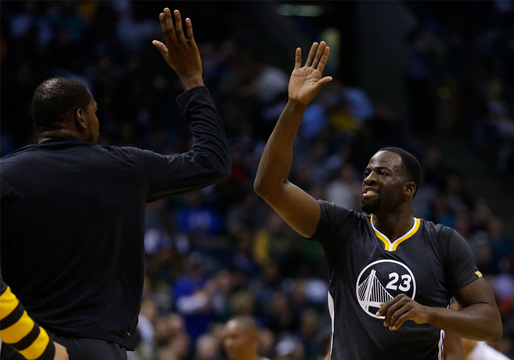 Draymond Green: Draymond Green (ankle) goes to locker room