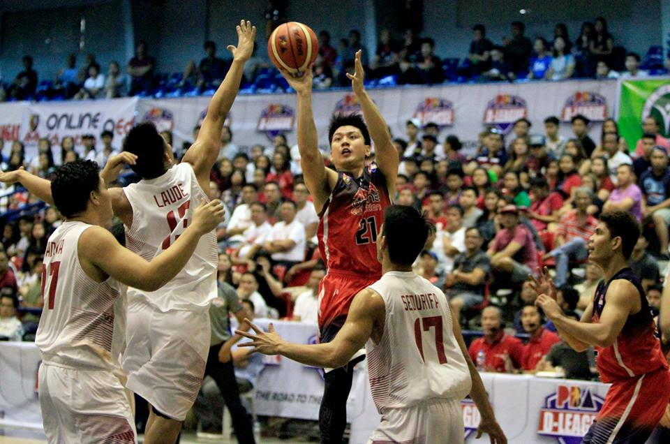 Jeron Teng of AMA goes up for a shot. | Photo from PBA D-League's Facebook
