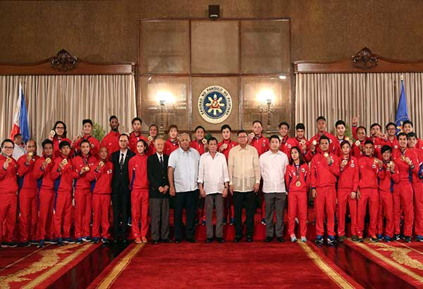 Cebuana Tabal, other SEA Games medalists receive incentive from Duterte