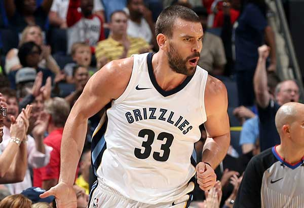 Marc Gasol of the Memphis Grizzlies acknowledges the cheers of the crowd after scoring against the Golden State Warriors at FedEx Forum in Memphis, Tennessee. AFP
