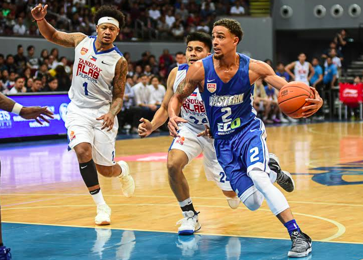 Marcus Elliot of Hong Kong Eastern Sports Club tries to drive paset the Tanduay-Alab Pilipinas in the latter team's season debut, Sunday night at the MOA Arena. | Contributed Photo