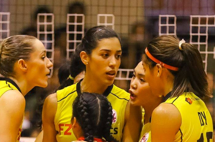 Maria Lopez and the F2 Logistics Cargo Movers will stake their unbeaten record in the 2017 Chooks to Go - Philippine Superliga Grand Prix.