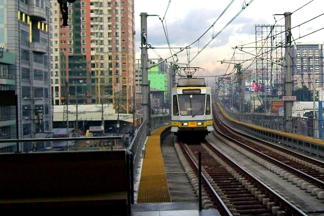 TheJICAproject noted that shifting from road-based transport to rail-based mass transit could help ease the worsening traffic situation in Metro Manila. File photo