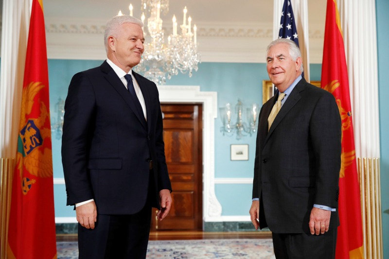 Tillerson meets Russian FM in wake of Comey firing