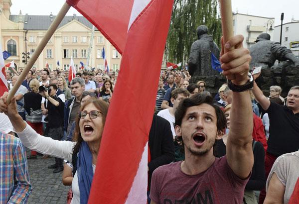 Polish Senate Passes Controversial Bill on Judicial Reform