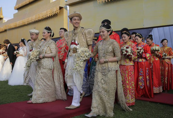 Chinese couples marry in Sri Lanka in mass ceremony