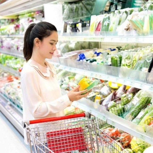 With advancements in technology and supermarkets finding ways to make things easier, moms can delegate some or her tasks, or accommodate them herself even with family in tow.