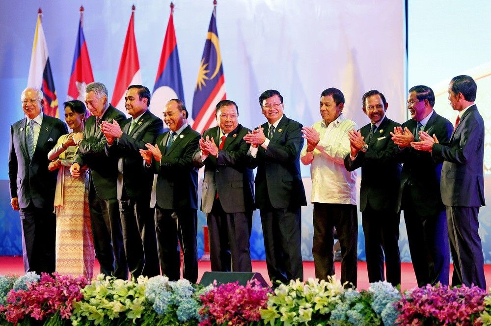 President Rodrigo Duterte with ASEAN leaders