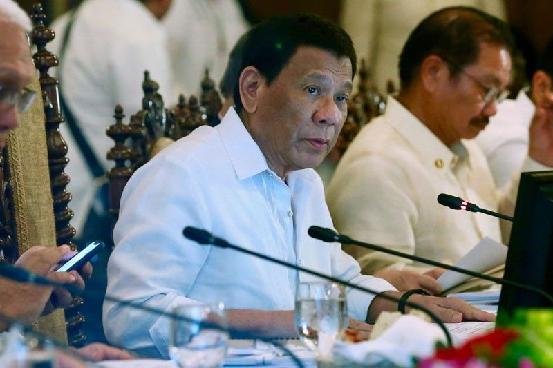 Duterte greenlights local peace talks with Reds