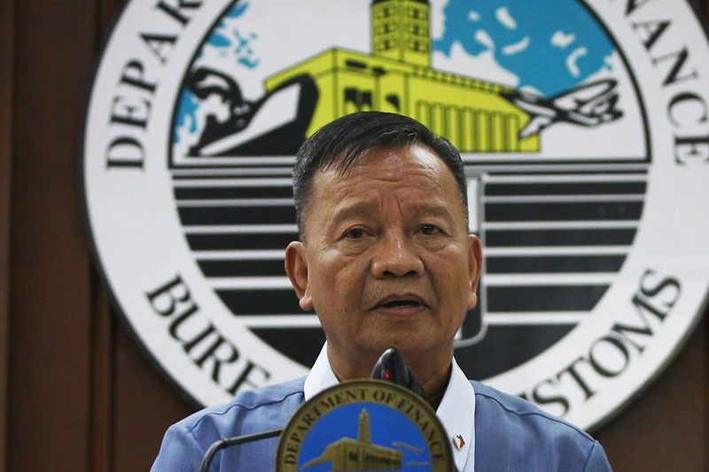 Lapena Said That Philippine Drug Enforcementcy Pdea Director General Aaron Aquino Should Not Blame Him Entirely For The Alleged Smuggling Of A Large