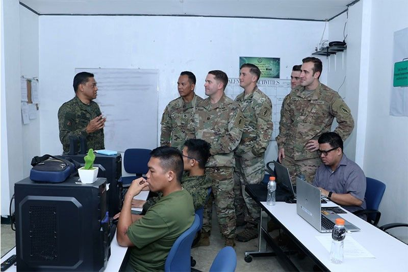 US trains Philippine soldiers on social media monitoring
