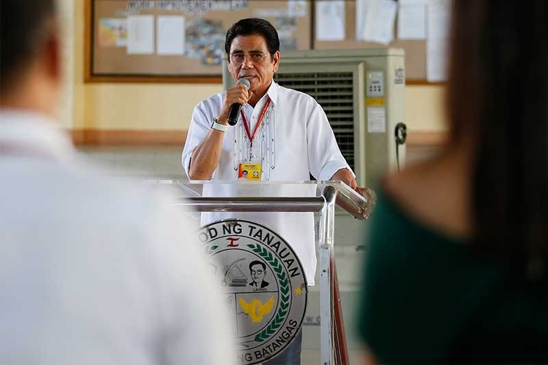 Duterte suspects murder of Batangas mayor linked to drugs