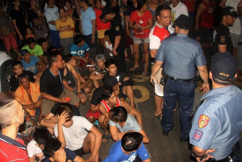 Cops axed for wrong tambay arrest