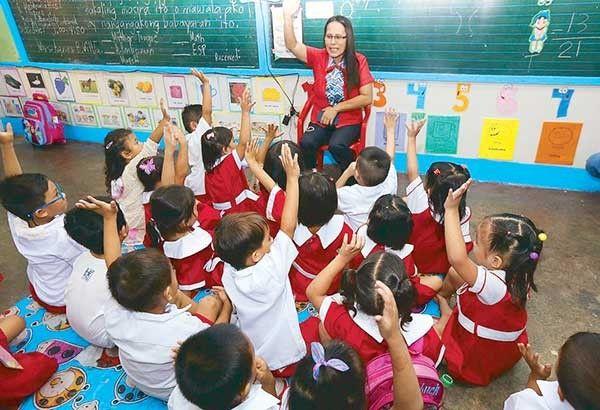 China to accept 100,000 Filipino English teachers