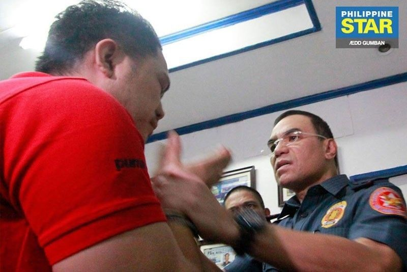 Manila cop accused of raping drug suspects' teen daughter under investigation