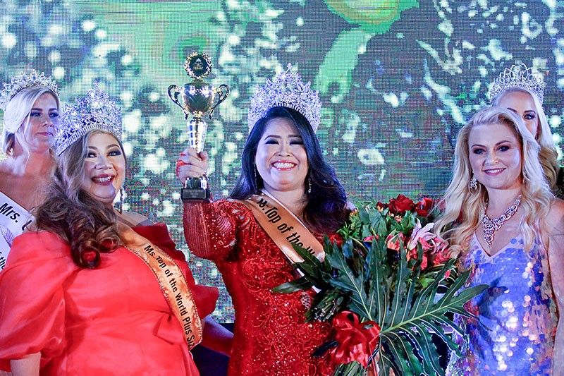 c967c011f91 Pinays dominate Miss Mrs. Top of the World-Plus Size 2018