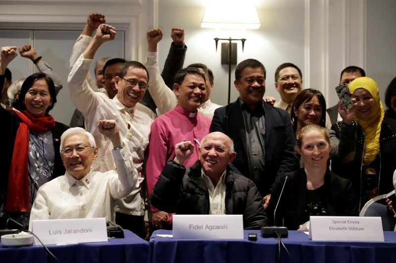 Communist negotiators seek meeting for return to peace talks, Duterte says