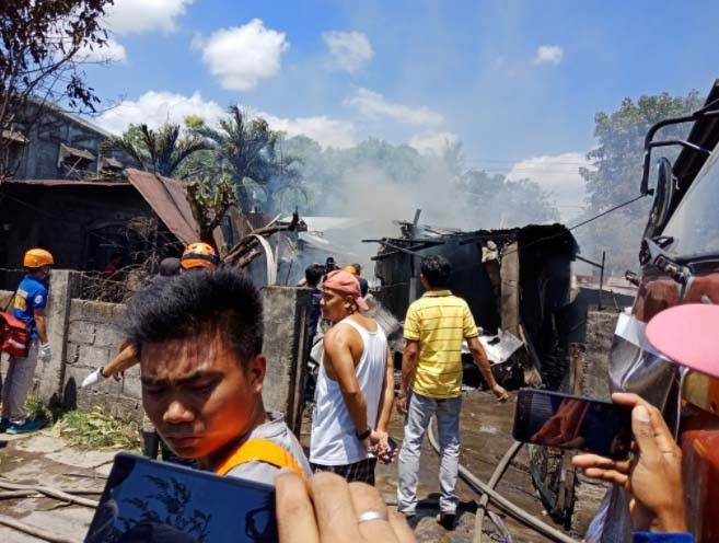 10 bodies recovered after small plane crashes in Bulacan residential area