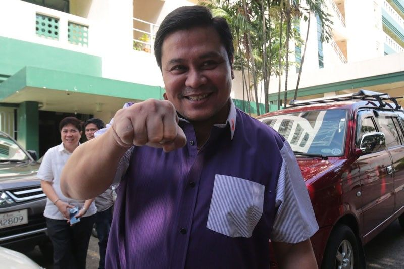 Jinggoy eyes Senate comeback in 2019