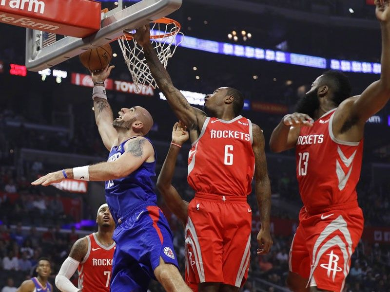 Led by bench, Clippers hang on to beat Rockets
