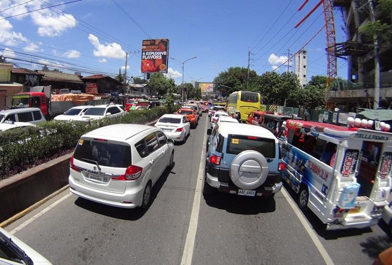4-day workweek seen to address traffic woes