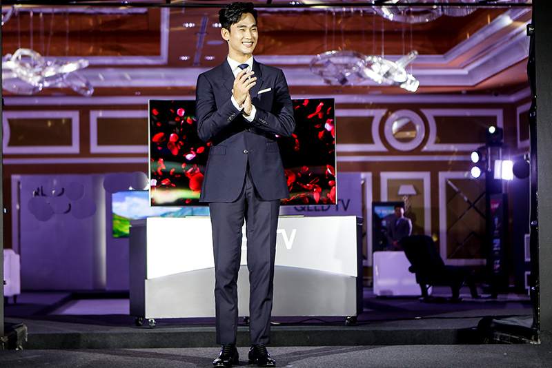 Korean star Kim Soo-hyun thanks Filipinos, visits Manila